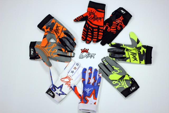 wixx_gloves.JPG